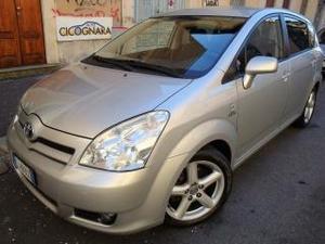 Toyota corolla verso v d-4d d-cat ** whatsapp
