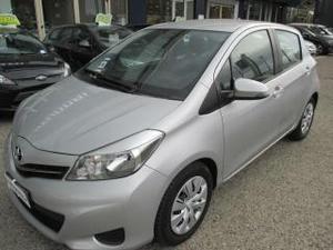 Toyota yaris 1.3 5 porte active cvt stop & start