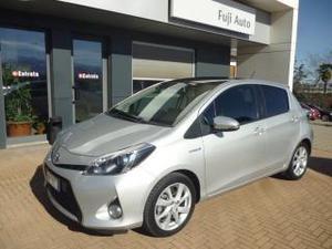 Toyota yaris 1.5 hybrid 5 porte style neopatentato !!!