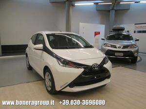 Toyota Aygo 1.0 VVT-i 69 CV 5 porte x-play MY15 EU6