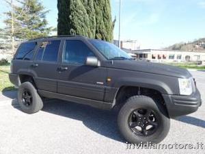 Jeep grand cherokee big black matt 5.9 4wd quadra-trac