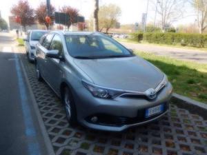Toyota Auris Touring Sports 1.8 Hybrid Lounge