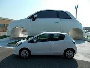 Toyota yaris 3 serie 15 hybrid 5 porte lounge