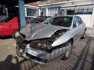 Alfa romeo  jtdm 16v vettura incidentata