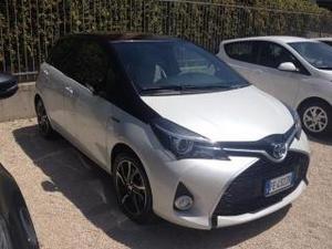 Toyota yaris 1.5 hybrid 5 porte trend 'white edition'