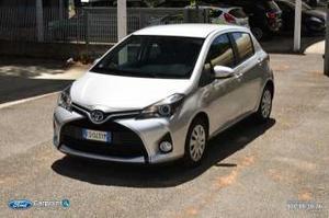 Toyota yaris 1.5 hybrid business 5p
