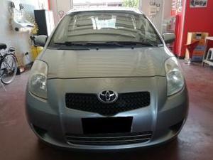 Toyota yaris 1.4 d-4d 5 porte m-mt sol
