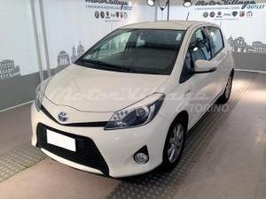 Toyota yaris 15 hybrid 5 porte lounge