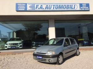 Renault clio 1.4 5 porte -ok neopatentati-