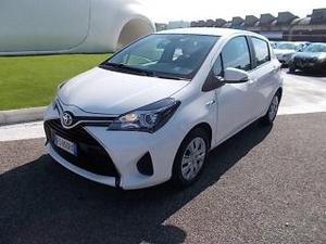 Toyota yaris 15 hybrid 5 porte cool