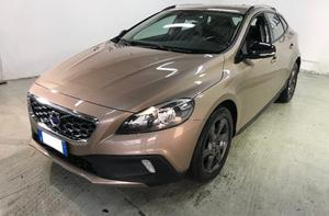 VOLVO V40 CROSS COUNTRY 1.6 D2 MOMENTUM AUTO