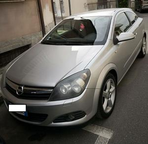 Opel Astra GTC Cosmo'06