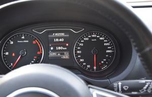 Audi a3 1.6 tdi 110cv s-tronic ambition