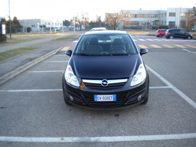 Opel corsa opel corsa cosmo 1.2 5 porte