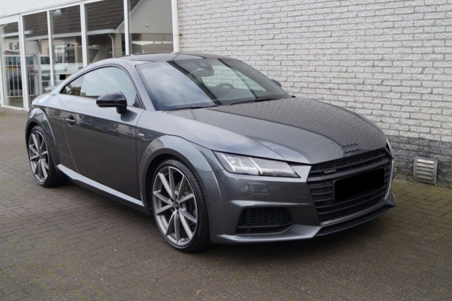 Audi tt coup�© 2.0 tfsi quattro s-tronic s-line