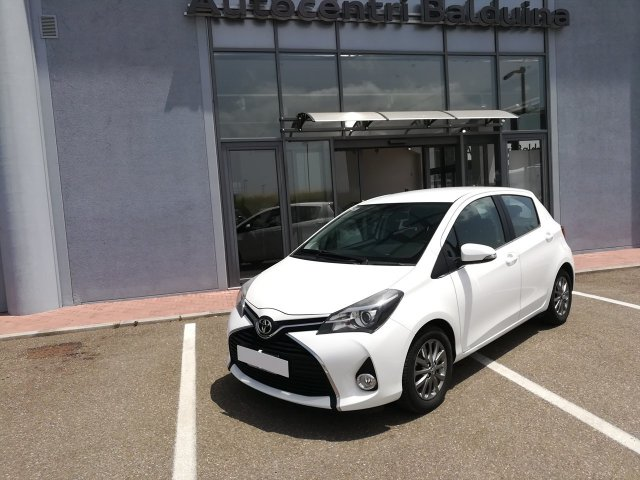 Toyota Yaris yaris 1.4 d-4d Lounge 5p E6